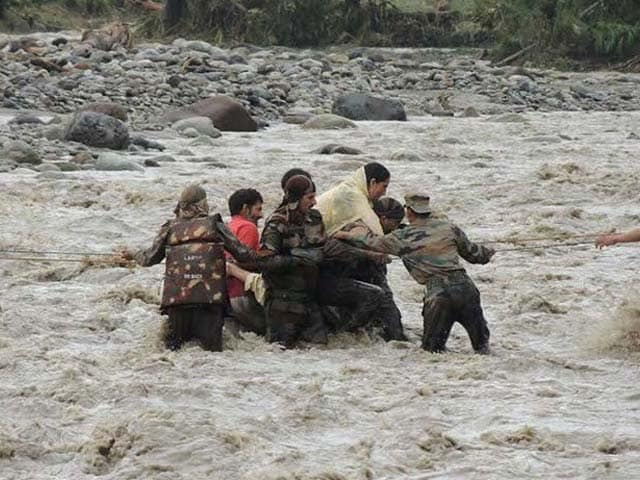 Photo : Jammu and Kashmir Massive Floods: Indian Army Rescues Stranded