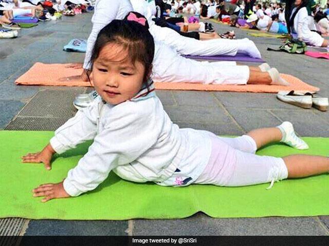 Photo : देशभर में कुछ इस तरह मनाया गया International Yoga Day 2017