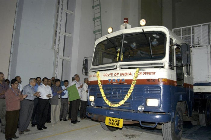 First pics: Mangalyaan at space port