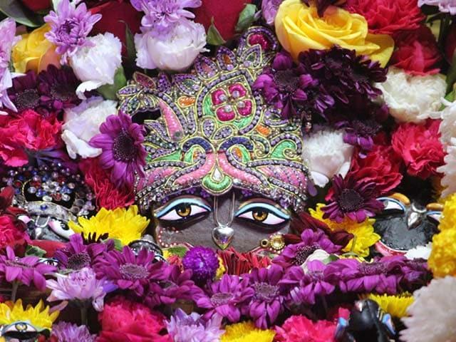 पंजाबी बाग के ISKCON मंदिर में धूमधाम से मनाई गई जन्माष्टमी