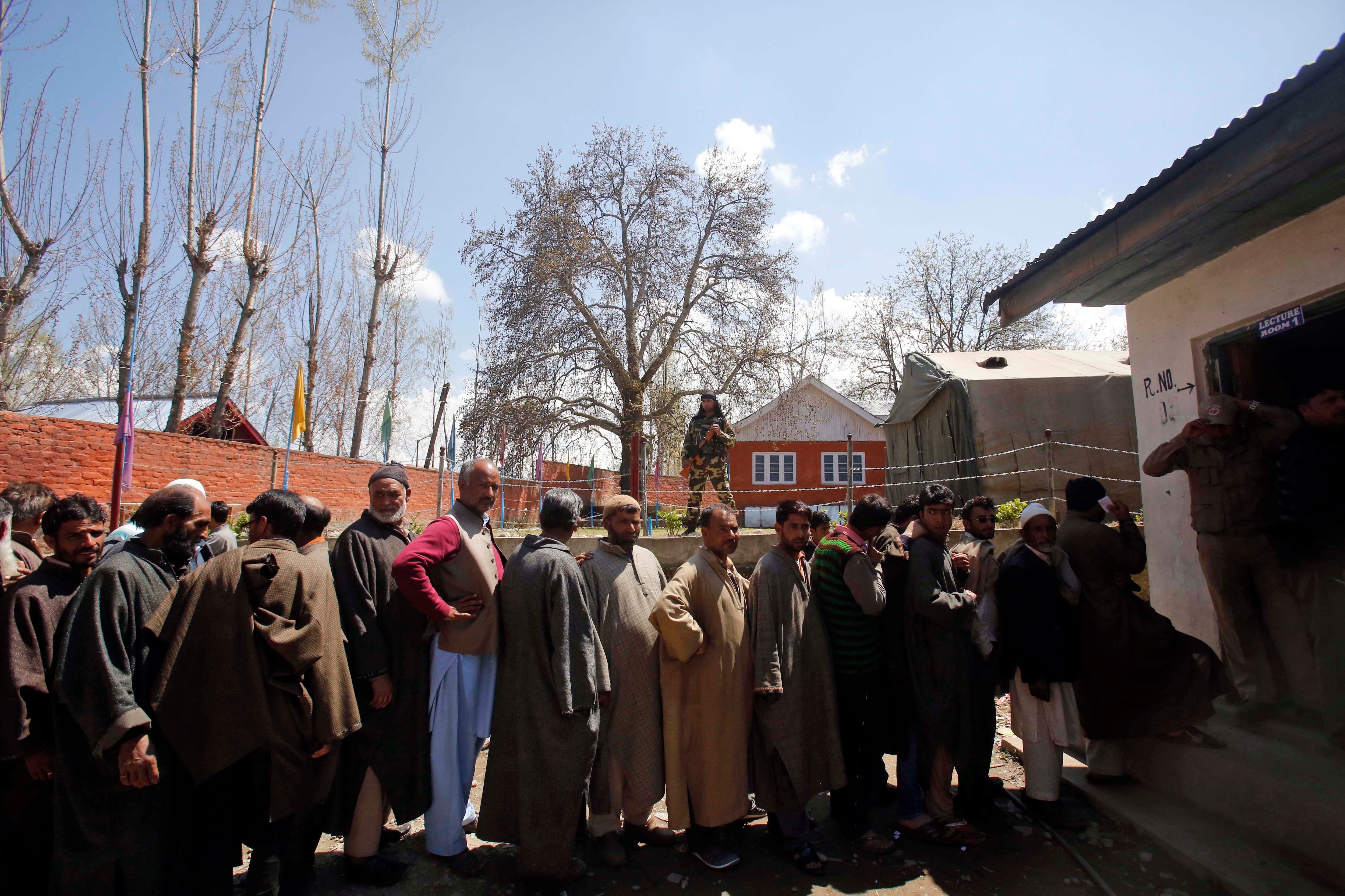 Threat of violence sees Kashmir vote in small numbers