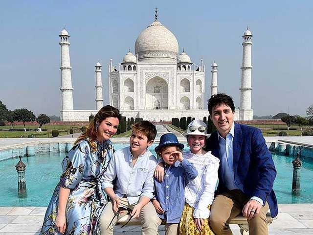 Photo : Photos: Justin Trudeau Kicks Off India Tour With Family Visit To The Taj Mahal