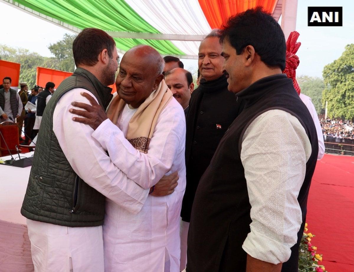 शपथ ग्रहण समारोह: राजस्थान, छत्तीगढ़ और एमपी में दिखा कांग्रेस का शक्ति प्रदर्शन, पहुंचे कई दिग्गज