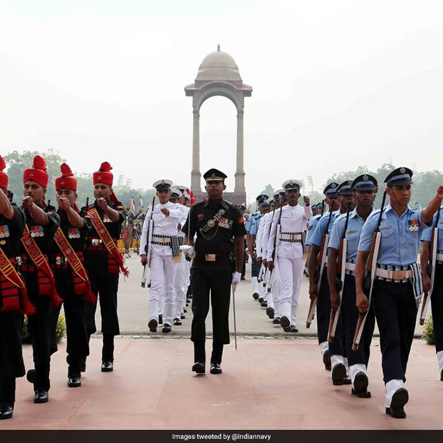 Photo : In Pics: Kargil Vijay Diwas - A Tribute To Soldiers Behind The Success Of Operation Vijay
