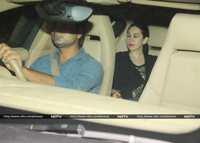 Karisma Kapoor\'s Busy Sunday With Rumoured Boyfriend