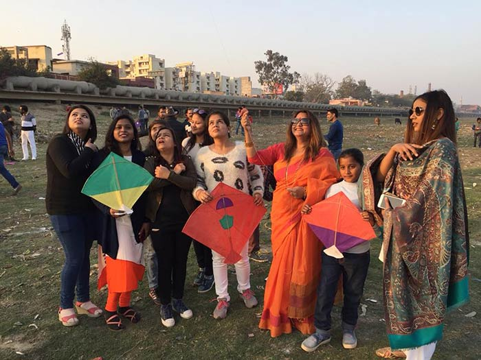 On Makar Sankranti, Agra Citizens Fly Kites With Messages To Draw Attention To The Dying Yamuna
