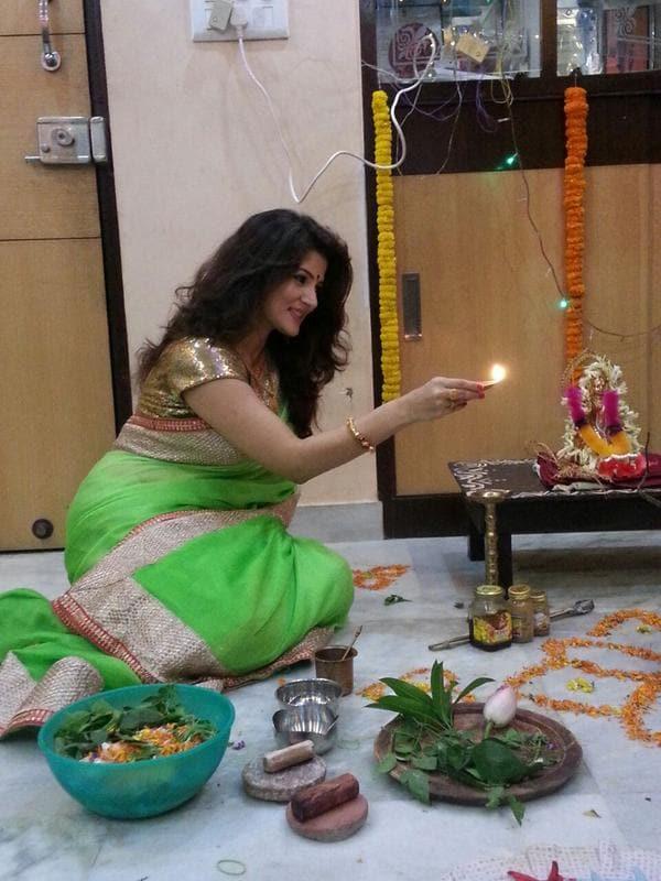 Lakshmi Puja 2019: দেবীবন্দনায় তারকারা, দেখে নিন তাদের গত বছরের পুজোর ঝলক
