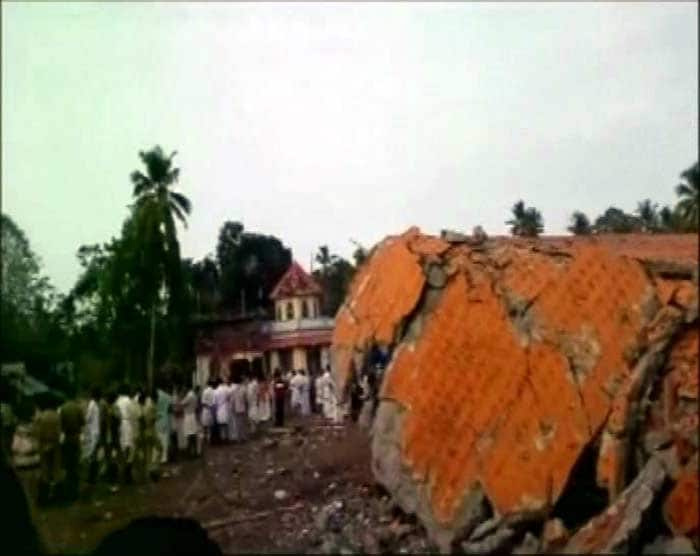 Fire At Temple In Kerala\'s Kollam