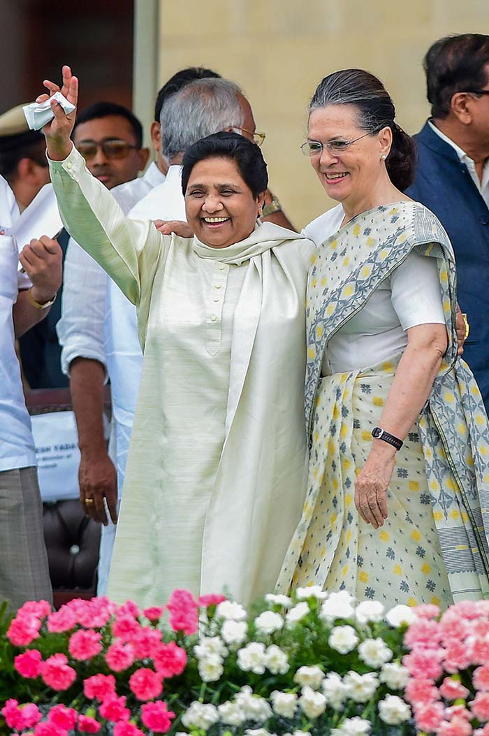 Congress\' Sonia Gandhi Shares A Hug With Dalit Powerhouse From UP Mayawati
