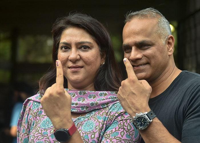 लोकसभा चुनाव: उर्मिला मातोंडकर समेत इन बॉलीवुड स्टार्स ने किया वोट