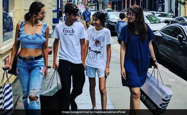 कुछ ऐसे मस्तीभरे अंदाज में वेकेशन मना रही हैं मलाइका अरोड़ा...