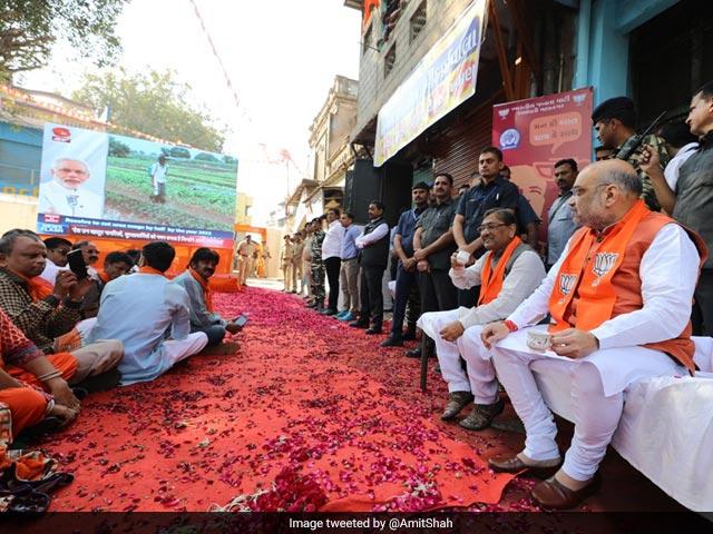 Photo : Pics: Top BJP Leaders Attend PM Modi's Special Radio Programme, Mann Ki Baat - Chai Ke Saath