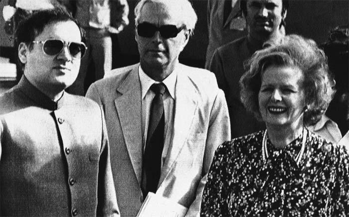 margaret thatcher and indira gandhi Former british prime minister margaret thatcher had received death threats to  her life in the wake of indira gandhi''s assassination in october.