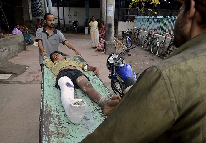 Dozens Killed in India After High-Magnitude Earthquake in Nepal