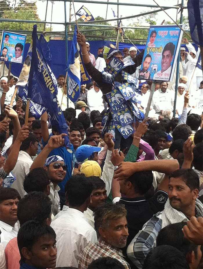 Mayawati\'s first rally in UP...