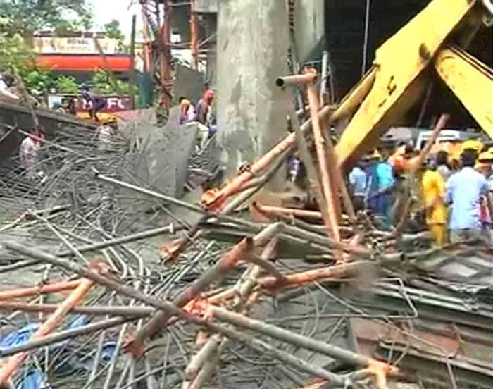 Under-construction metro bridge collapses in Mumbai, 1 dead