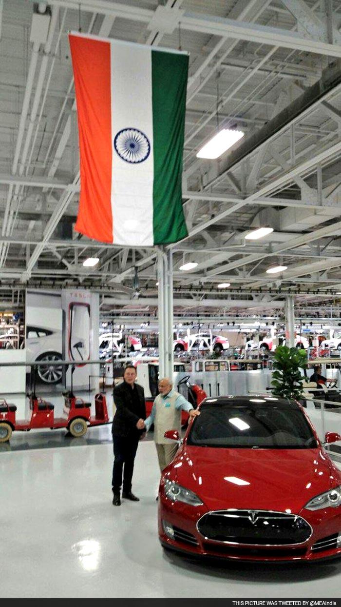 PM Modi Takes a Tour of Tesla Motors in San Jose