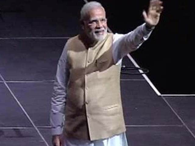 Photo : 5 Pics: PM Modi Speaks With the Indian Community in San Jose
