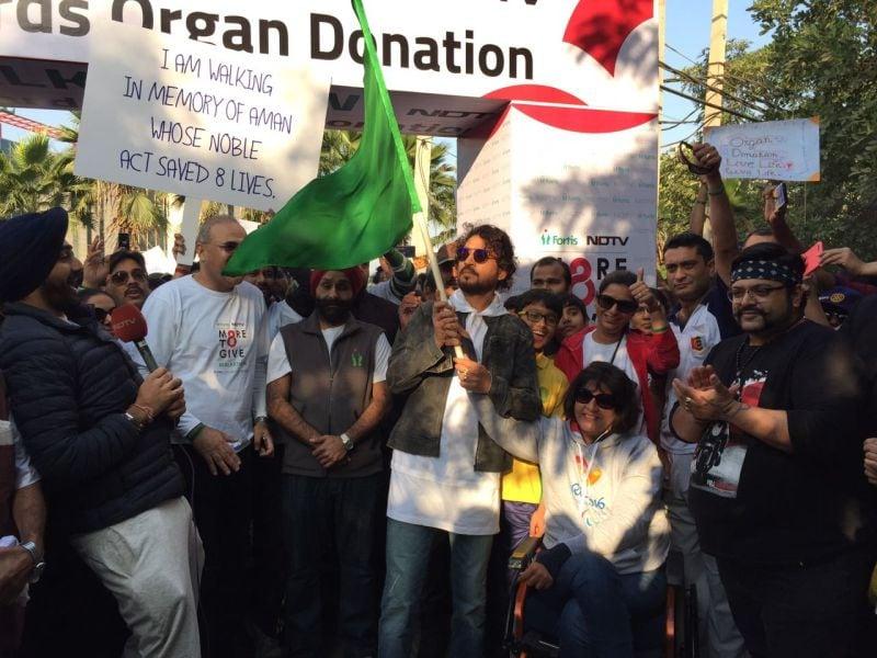 Photo : Irrfan Khan Flags Off #MoreToGive Walkathon On Organ Donation Day