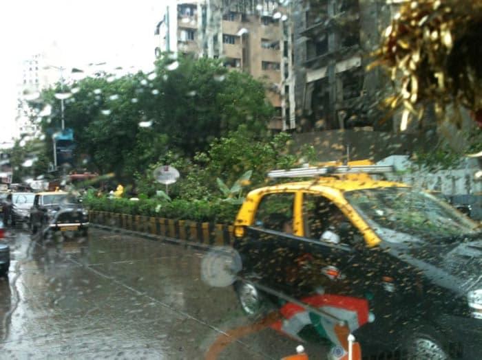 Mumbai\'s manic Monday captured on Twitter