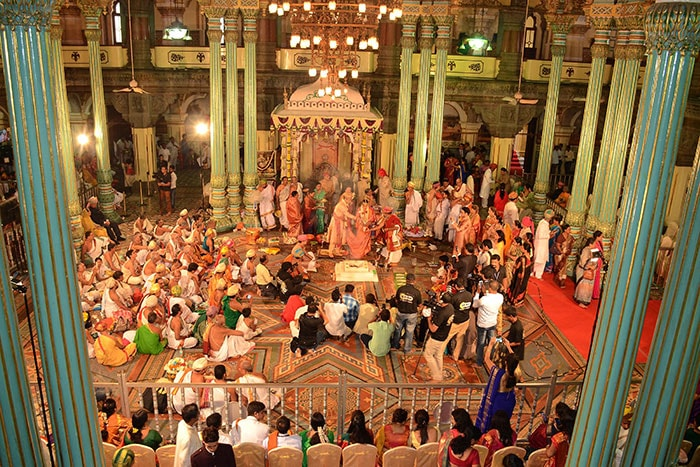 Photo : In Grand Royal Wedding, Maharaja Of Mysuru Marries Princess From Rajasthan