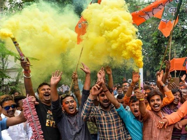 Photo : Lok Sabha Elections Result 2019: पीएम मोदी के आगे पस्त हुआ विपक्ष, एनडीए की 'विराट' जीत का  यूं मना जश्न