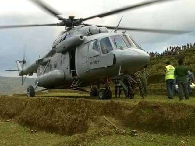 Photo : Indian Armed Forces Help in Nepal Rescue and Relief Operations After Devastating Earthquake