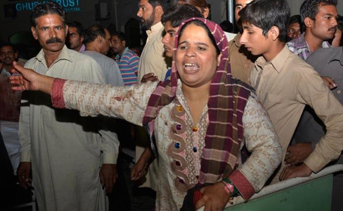 Dozens Killed in Bomb Blast at Wagah Border in Pakistan