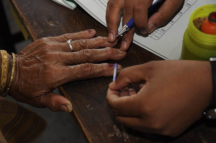 Elections 2014: High voter turnout in Phase 4