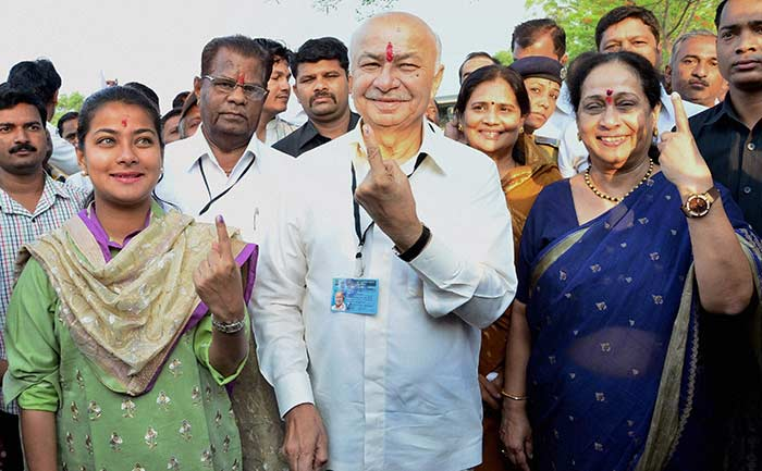 On India\'s biggest poll day, big players vote