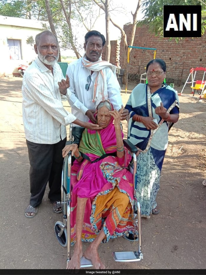 Undeterred Voters Come Out In Large Numbers To Cast Their Votes During Phase 2 Of Polling