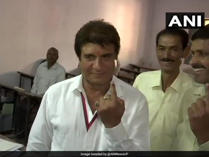 Prominent Personalities Exercise Franchise On Phase 2 Of Lok Sabha Polling