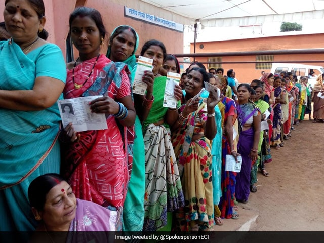 Photo : Women Voters Come Out In Large Numbers To Exercise Their Franchise