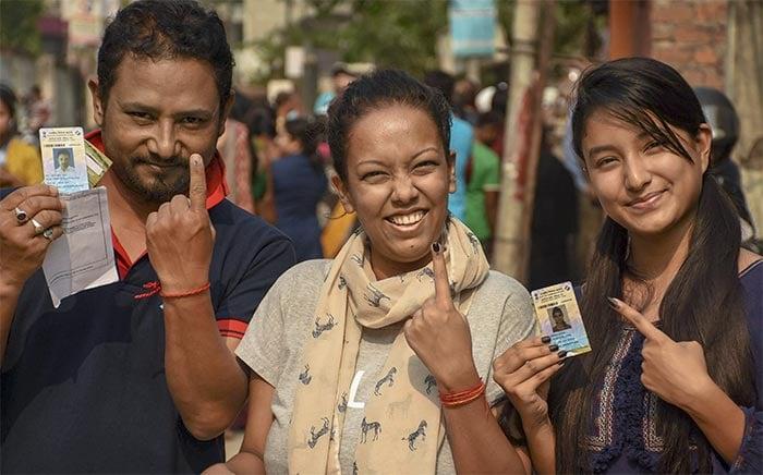 लोकसभा चुनाव: तीसरे चरण में मतदाताओं ने कुछ यूं किया मताधिकार का इस्तेमाल