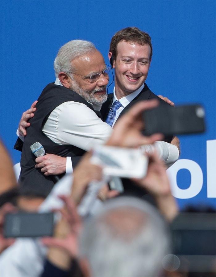 PM Modi\'s Facebook Visit: 10 Best Pics