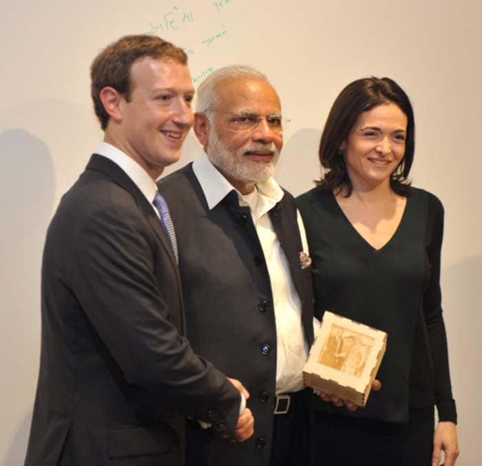 PM Modi\'s Facebook Visit: 5 Best Pics