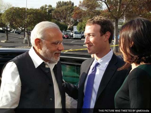Photo : तस्वीरों में: ...जब फेसबुक हेडक्वार्टर में मिले पीएम मोदी और मार्क जुकरबर्ग