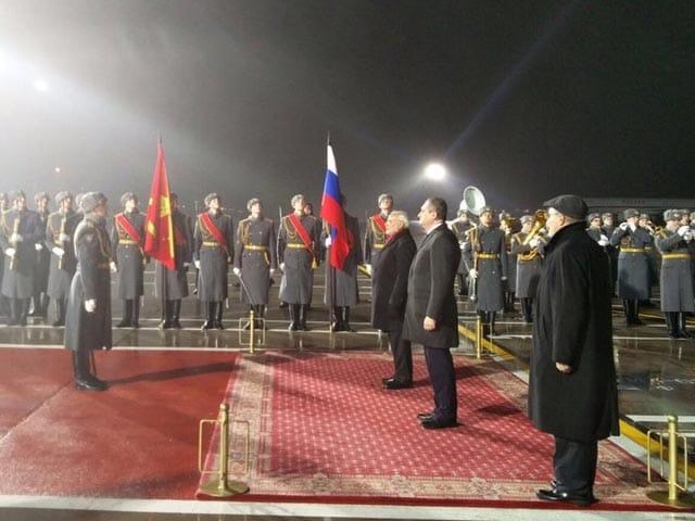 Photo : रूस के दो दिवसीय दौरे पर प्रधानमंत्री नरेंद्र मोदी, देखिए तस्वीरें