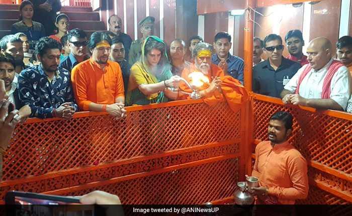 लोकसभा चुनाव 2019: प्रियंका गांधी ने प्रयागराज से शुरू की 'गंगा यात्रा', देखें तस्वीरें...