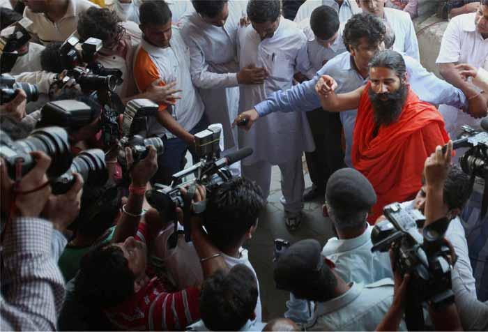 Baba Ramdev\'s \'satyagraha\' against corruption