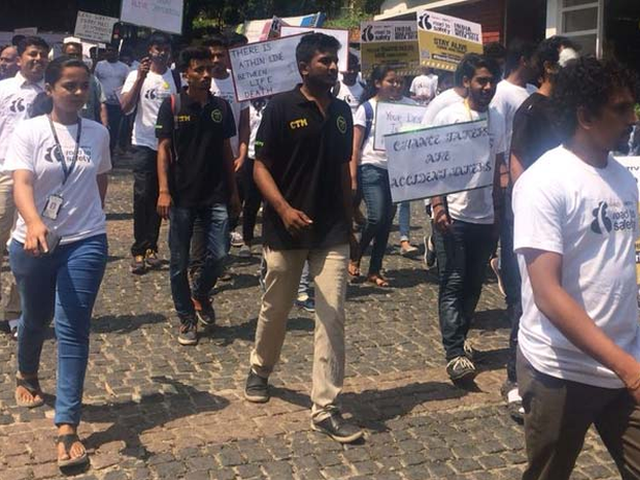 In Pics: Bengaluru Students Participated In A Walkathon To Spread Awareness On Road Safety