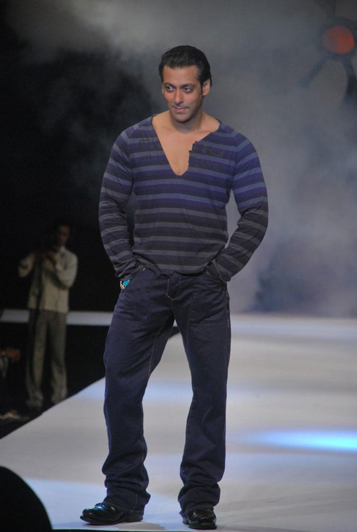 Salman Khan\'s riding high