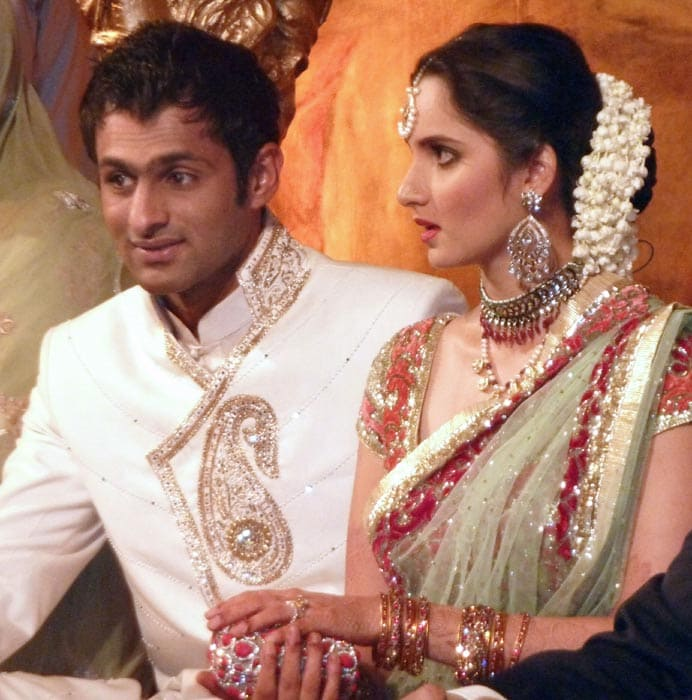Newlyweds Sania, Shoaib in Pakistan