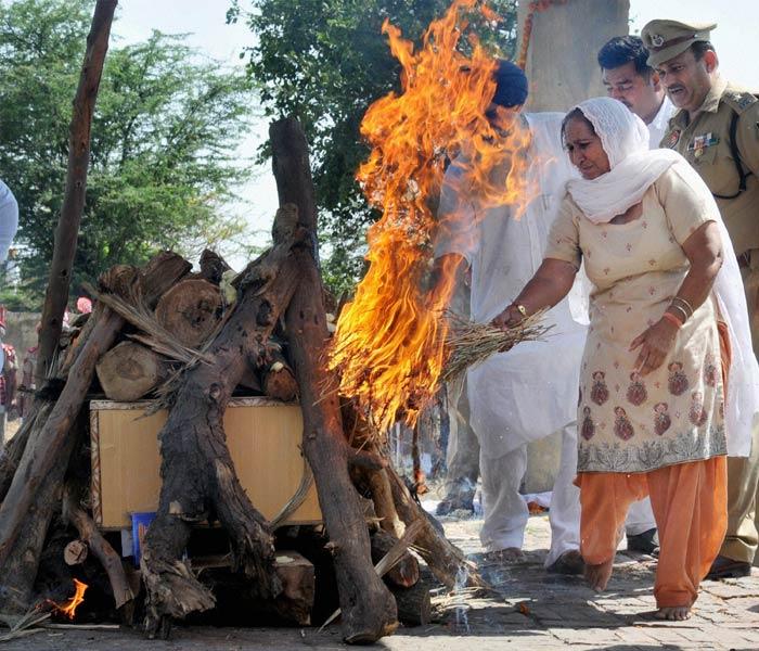 Sarabjit Singh\'s last rites performed with full state honours
