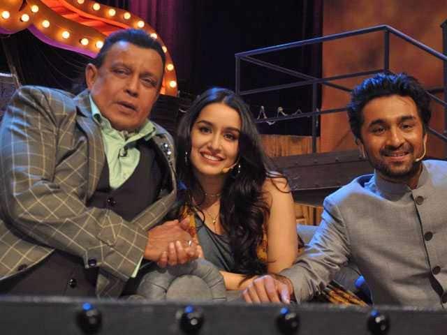 Photo : 'दाउद इब्राहिम' और 'हसीना पारकर' के साथ मिथुन दा की फुलऑन मस्ती