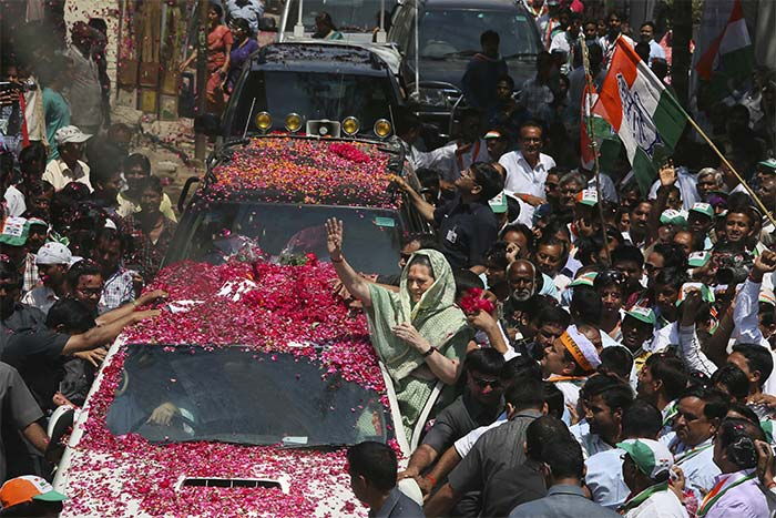 Elections 2014: Raebareli has roses for Sonia Gandhi