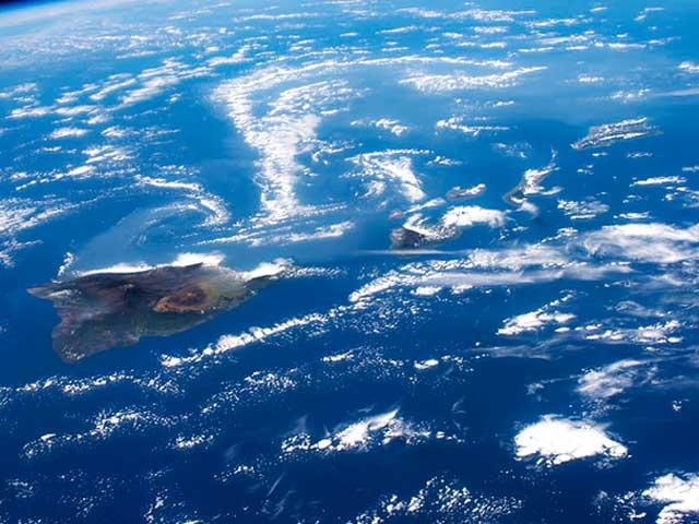 Photo : अंतरिक्ष से कैसी दिखती है आपकी धरती, देखेंगे तो दंग रह जाएंगे...