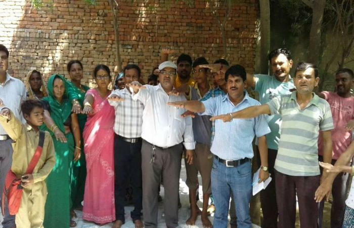 A Tale Of A Professor From Uttar Pradesh Who Is Instrumental In Making 15 Villages Open Defecation Free