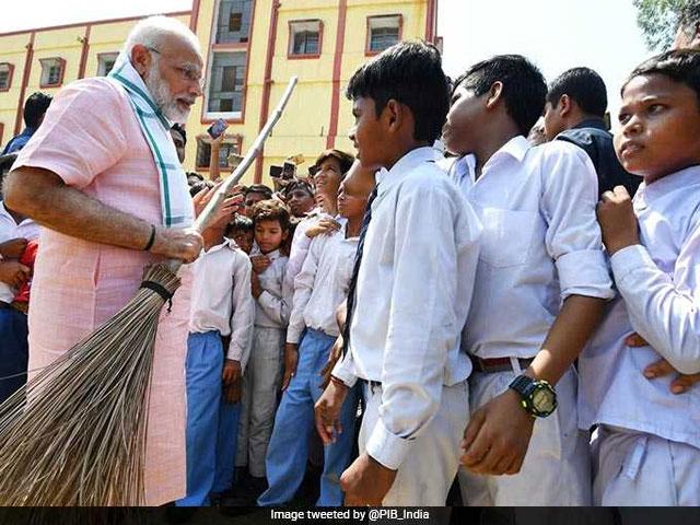 Photo : प्रधानमंत्री नरेंद्र मोदी ने की 'स्वच्छता ही सेवा' अभियान की शुरूआत