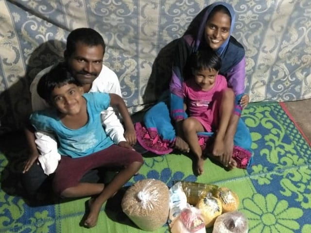 Photo : Mumbai Based Group 'Hunger Collective' Feeds Poor Families To Fight Hunger During The COVID-19 Crisis